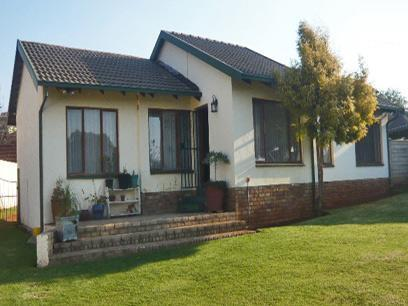 3 Bedroom House For Sale in Krugersdorp - Home Sell - MR30268