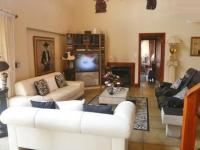 Lounges - 38 square meters of property in Olivedale