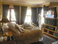 Main Bedroom - 21 square meters of property in Olivedale
