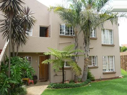 3 Bedroom Simplex for Sale For Sale in Garsfontein - Home Sell - MR30316