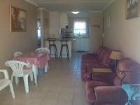 Lounges - 22 square meters of property in Bloubergstrand