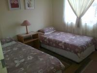 Bed Room 2 - 9 square meters of property in Bloubergstrand