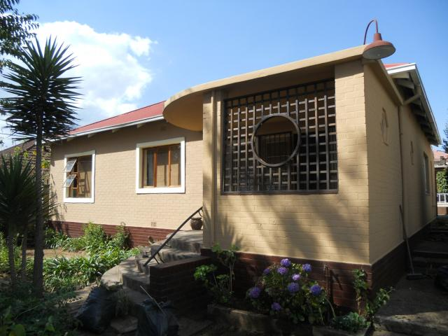 3 Bedroom House for Sale For Sale in Rosettenville - Home Sell - MR30338