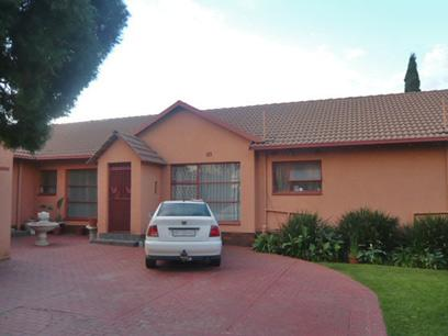 4 Bedroom House for Sale For Sale in Brakpan - Home Sell - MR30357