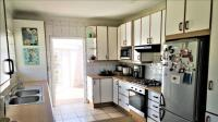 Kitchen - 19 square meters of property in Beacon Bay