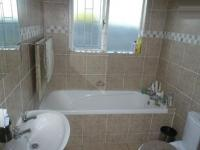 Bathroom 1 - 6 square meters of property in Table View