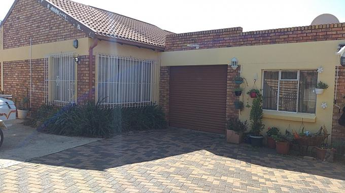 Standard Bank EasySell 3 Bedroom House for Sale in Bonaero Park - MR304171