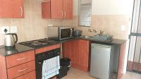 Kitchen - 6 square meters of property in Klippoortje