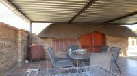 Patio - 28 square meters of property in Waterval East