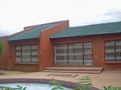 Standard Bank Repossessed 3 Bedroom House For Sale in Springs - MR30443