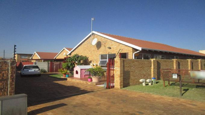 Standard Bank EasySell 4 Bedroom House for Sale in Greenhills - MR304709