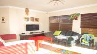Lounges - 15 square meters of property in Greenhills