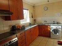 Kitchen - 14 square meters of property in Greenhills