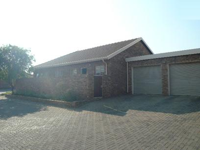 Standard Bank EasySell 3 Bedroom Simplex for Sale For Sale in Rooihuiskraal North - MR30481