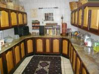 Kitchen - 46 square meters of property in Magalieskruin