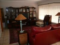 Lounges - 63 square meters of property in Magalieskruin