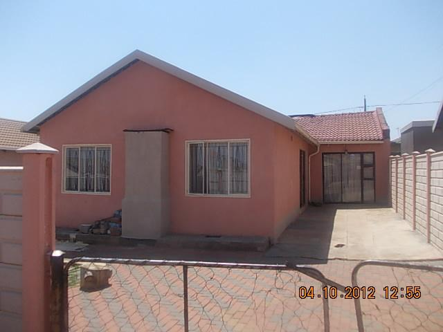 Standard Bank Repossessed 3 Bedroom House for Sale on online auction in Soweto - MR30538