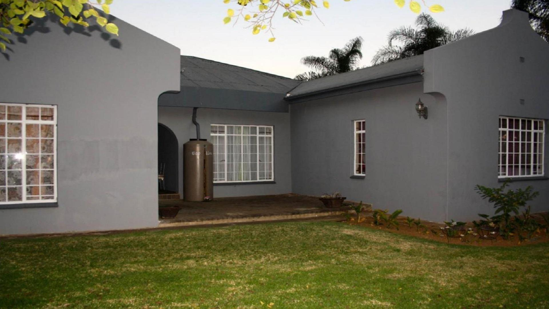 Front View of property in Vryheid