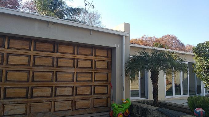 Standard Bank EasySell 4 Bedroom House for Sale in Norwood - MR305687