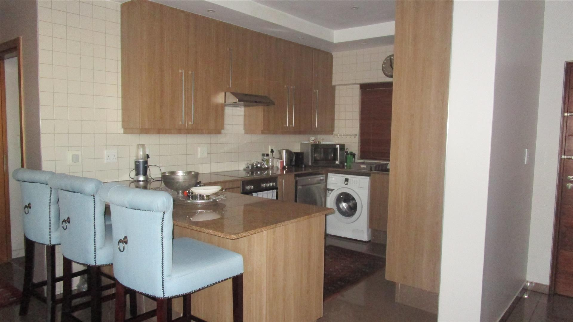 Kitchen - 14 square meters of property in Bedford Gardens