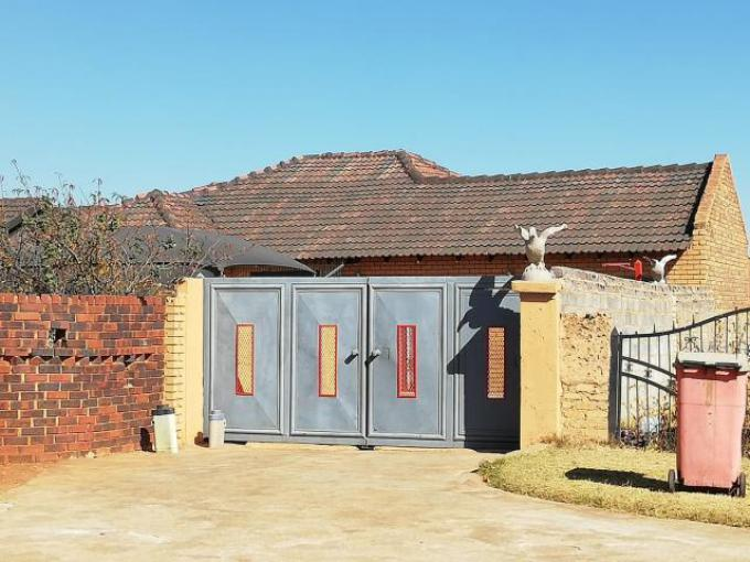 Standard Bank EasySell 4 Bedroom House for Sale in Lawley - MR307378