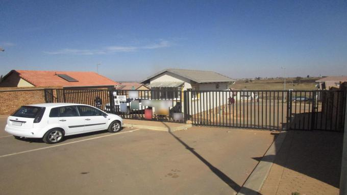 2 Bedroom House for Sale and to Rent For Sale in Witpoortjie - Private Sale - MR307883