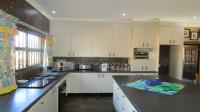 Kitchen - 103 square meters of property in Kameeldrift