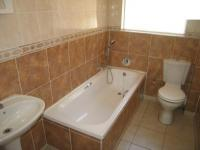 Bathroom 1 - 3 square meters of property in Sinoville