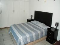Main Bedroom - 38 square meters of property in Amanzimtoti