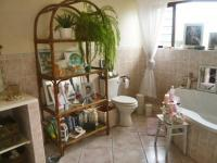 Bathroom 1 - 6 square meters of property in Northcliff