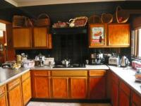 Kitchen - 14 square meters of property in Northcliff
