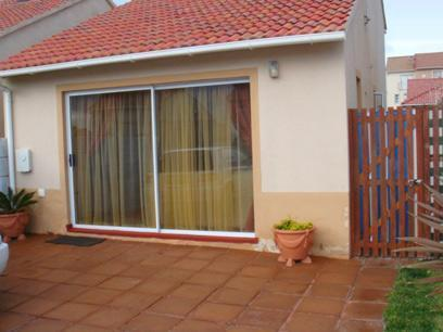 2 Bedroom Simplex for Sale For Sale in Muizenberg   - Home Sell - MR31368