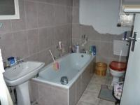 Bathroom 2 - 1 square meters of property in Norkem park