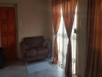 Lounges - 19 square meters of property in Amandasig