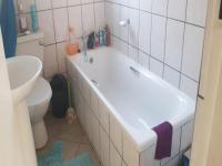 Bathroom 1 - 4 square meters of property in Amandasig
