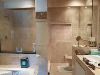 Bathroom 2 - 9 square meters of property in Kosmos