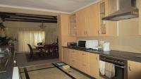 Kitchen - 15 square meters of property in Kosmos