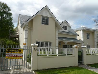 Standard Bank Repossessed 2 Bedroom Simplex for Sale For Sale in Stellenbosch - MR31440