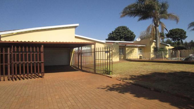 Standard Bank EasySell 3 Bedroom House for Sale in Wilropark - MR314404