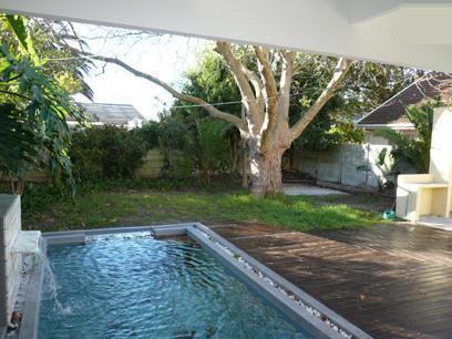 2 Bedroom House For Sale in Kenilworth - CPT - Home Sell - MR31486