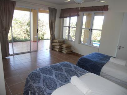 Bed Room 1 - 21 square meters of property in Princes Grant Golf Club