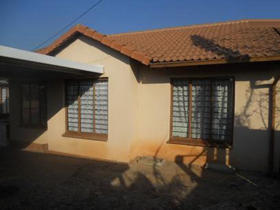 Standard Bank EasySell 3 Bedroom House For Sale in Bramley View - MR31508
