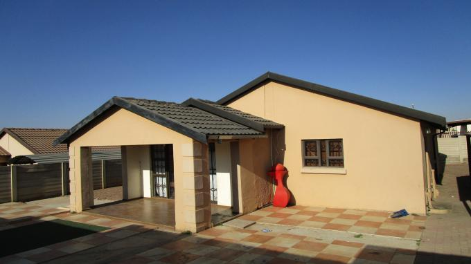 3 Bedroom House for Sale For Sale in Olievenhoutbos - Home Sell - MR315656