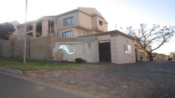 Standard Bank EasySell 2 Bedroom Sectional Title for Sale in Roodepoort West - MR316365
