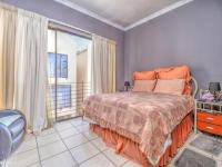 Bed Room 1 of property in Roodepoort West