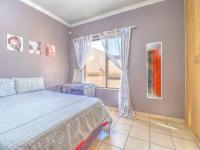 Bed Room 2 of property in Roodepoort West