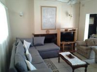Lounges - 27 square meters of property in Dawncrest