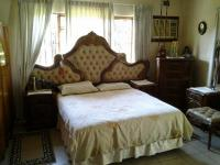 Main Bedroom - 25 square meters of property in Dawncrest