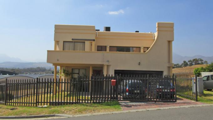 Standard Bank EasySell 3 Bedroom House for Sale in Gordons Bay - MR319013