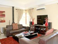 Lounges - 53 square meters of property in Brentwood Park